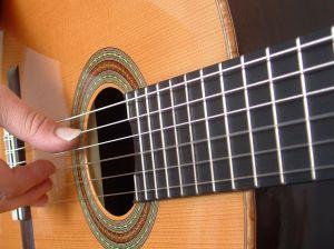 classical-guitar-strings